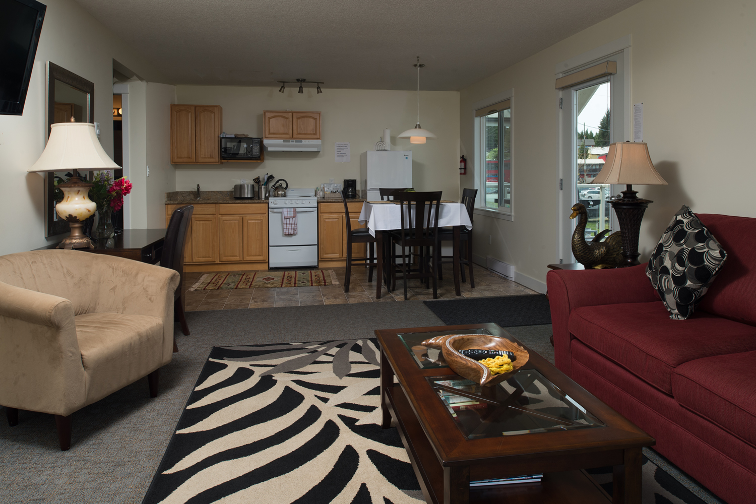 Bayshore Waterfront Inn - One Bedroom - #203